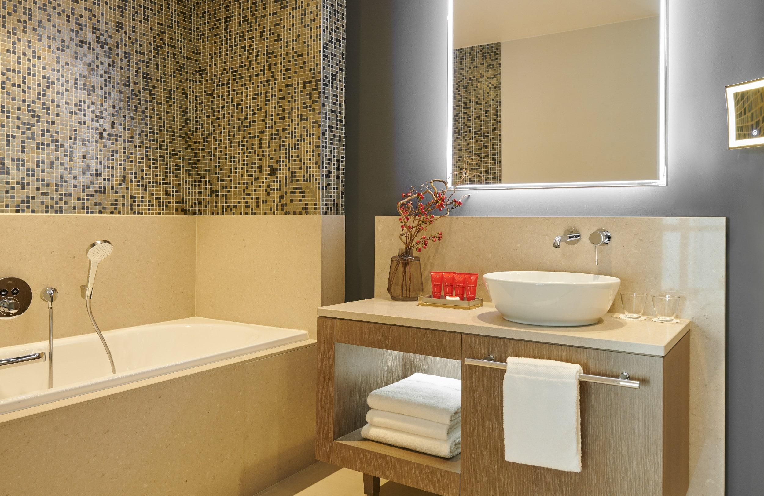 InterContinental Lyon - Hotel Dieu - salle de bain - chambre superior - booking
