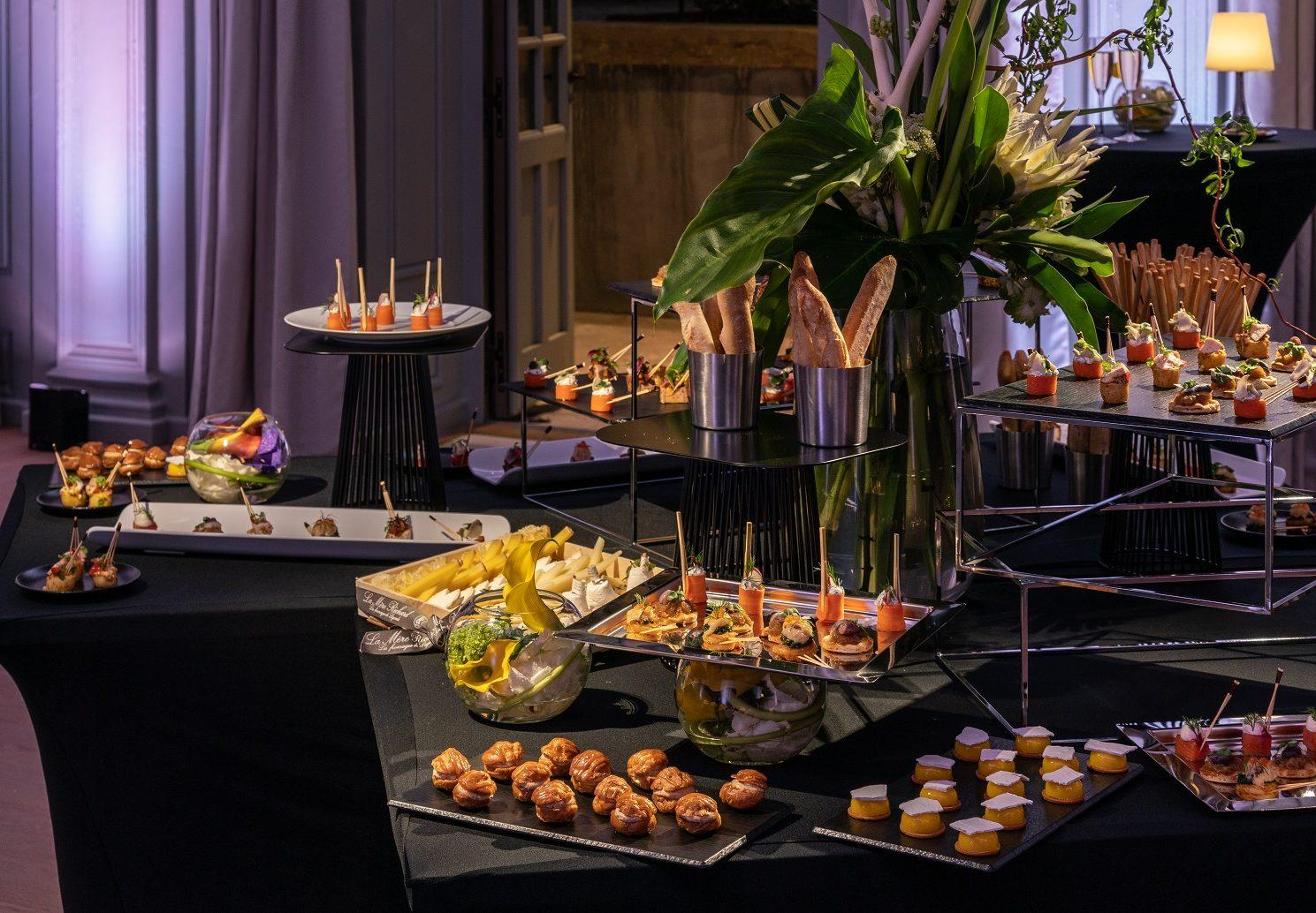 Salon du Conseil - mise en place cocktail