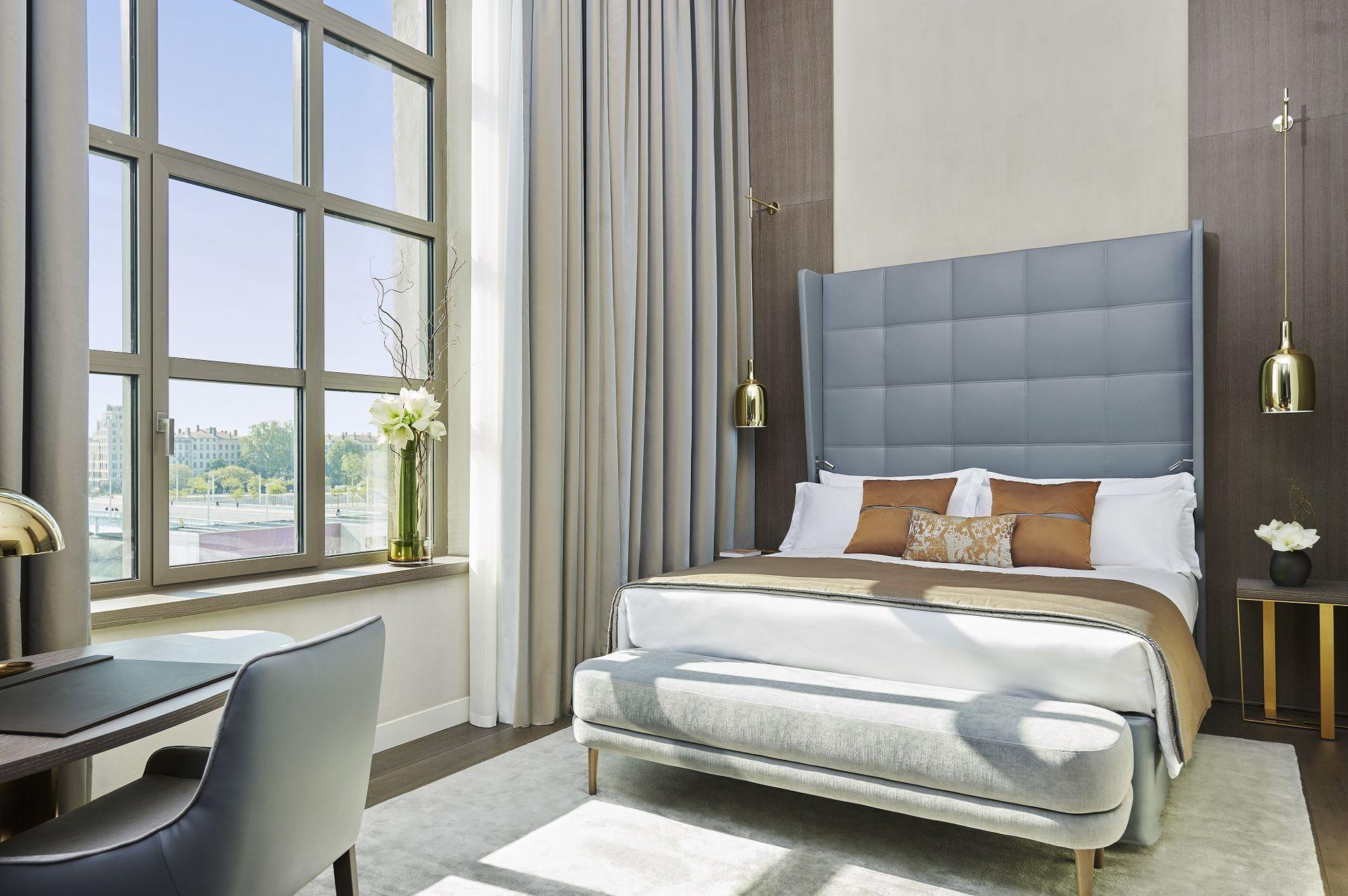 InterContinental Lyon Hotel Dieu Executive Room River View (c) Eric Cuvillier (2)